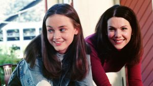 Gilmore Girls (WB) Season 1, 2000-2001 Episode: Love and War and Snow Airdate: December 14, 2000 Shown from left: Alexis Bledel (as Rory Gilmore), Lauren Graham (as Lorelai Gilmore)